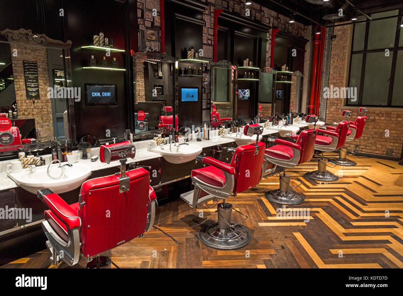 Barbers Floor Imágenes De Stock & Barbers Floor Fotos De Stock - Alamy