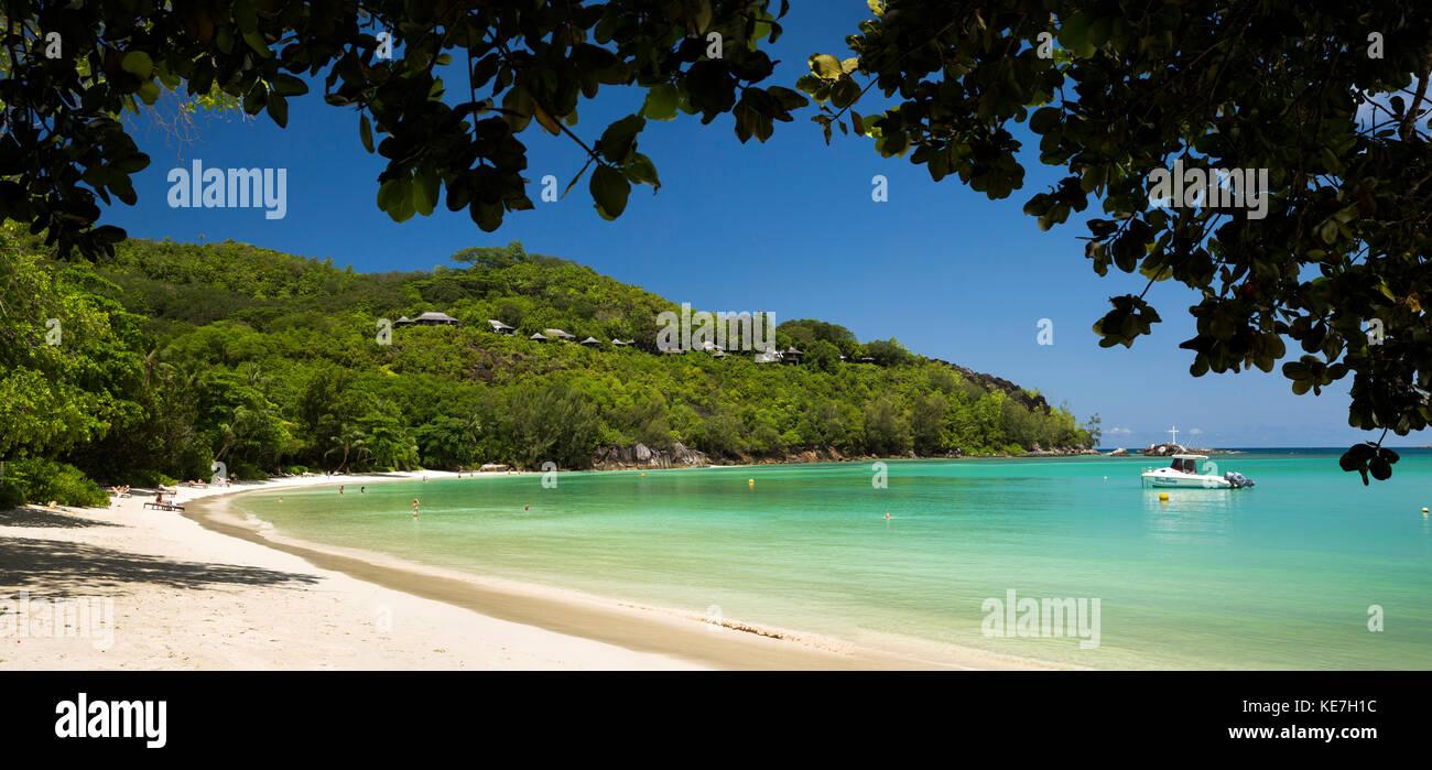 Las islas Seychelles, Mahe, Port Launay, playa y Pointe de l'escalier, panorámicas Foto de stock