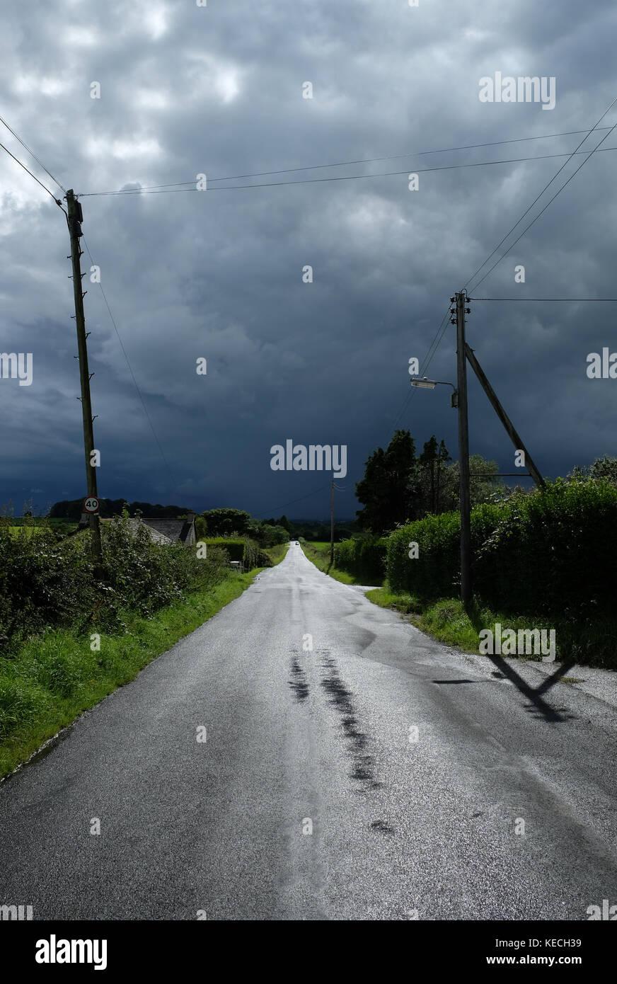 Acercándose a tormenta, Condado de Antrim, Irlanda del Norte. Imagen De Stock