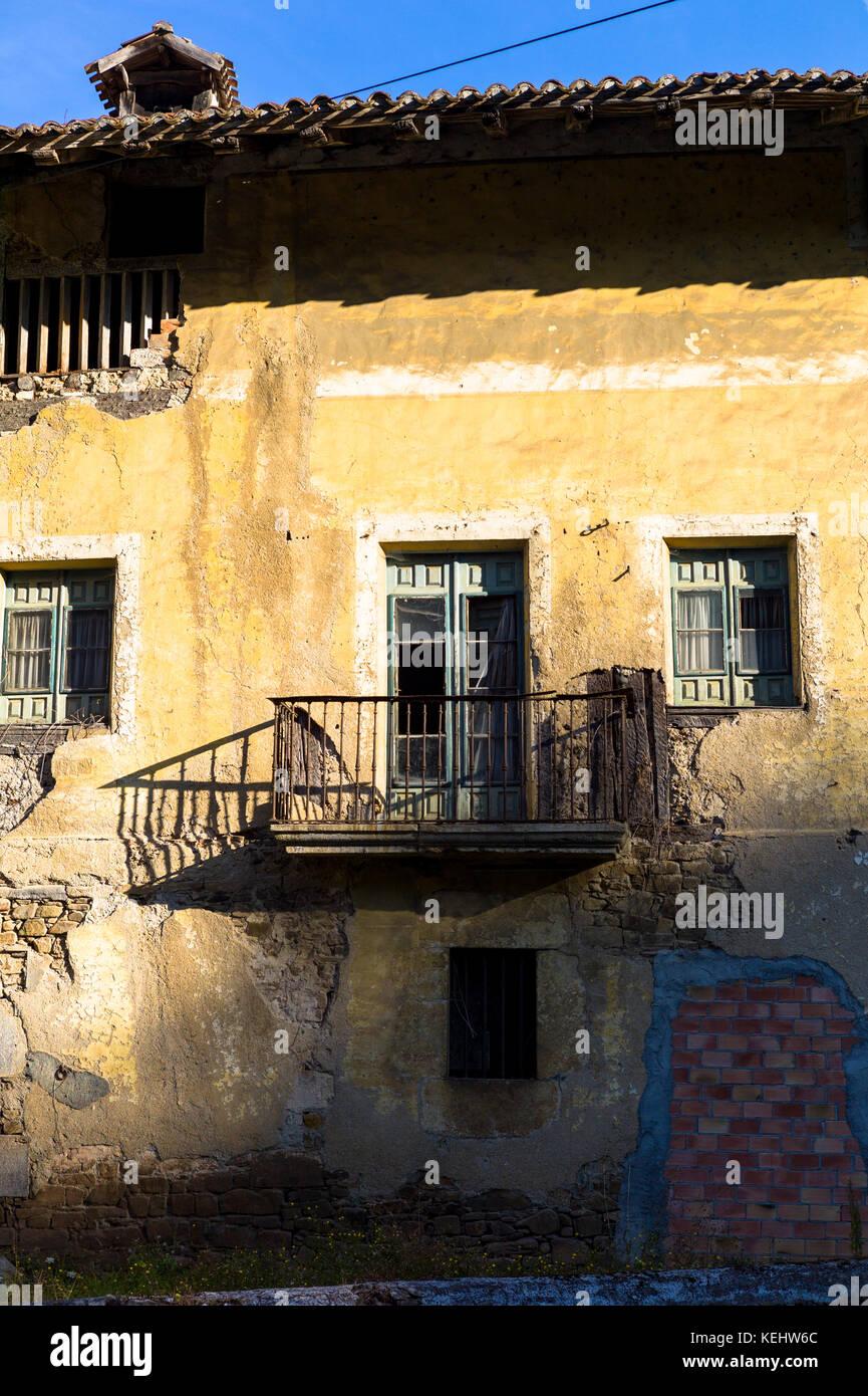 Arquitectura tradicional vasco Orozko Biskaia cerca en la región vasca del Norte de España Foto de stock