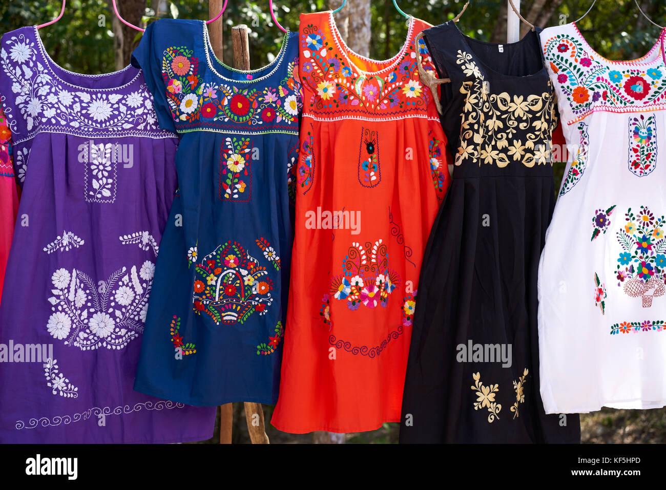 190cf5f14 Vestidos Bordados de Chichen Itzá en Yucatán