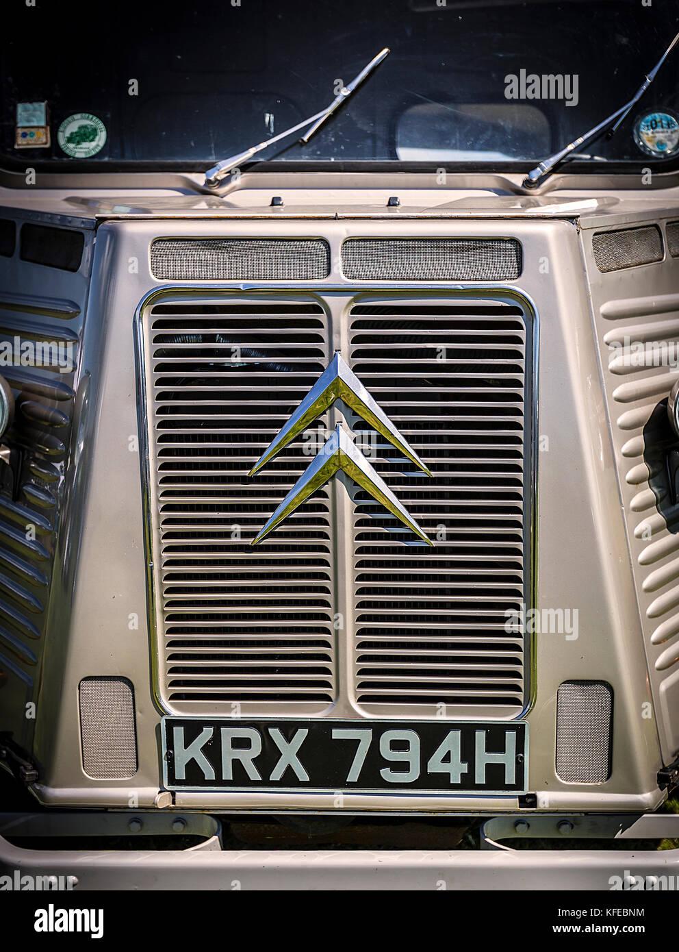 H-Type o HY es una furgoneta de paneles (camión ligero) producida por la fábrica francesa de automóviles Citroen entre 1947 y 1981. Foto de stock