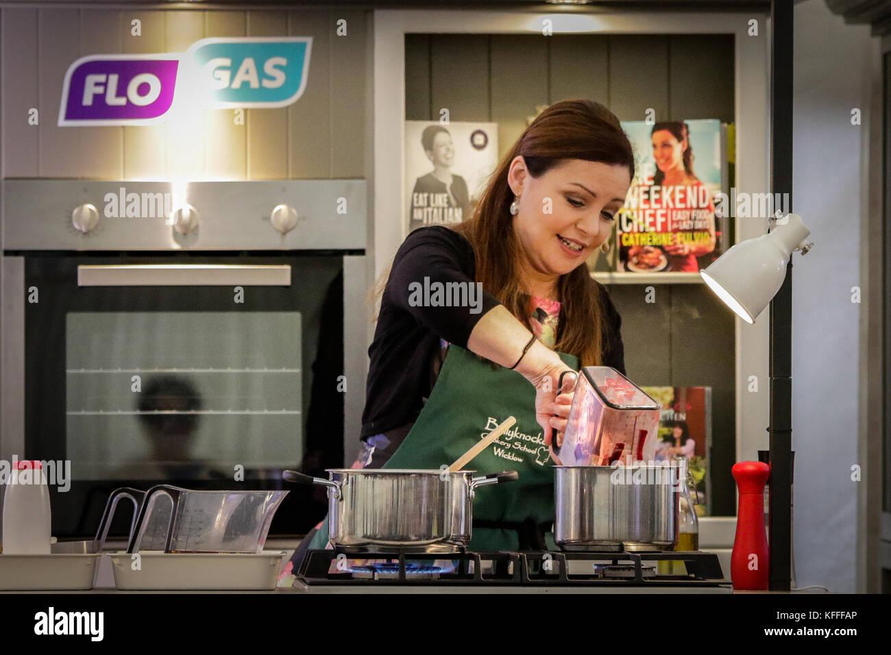 Catherine fulvio dando una demostración de cocina hoy como parte del ...