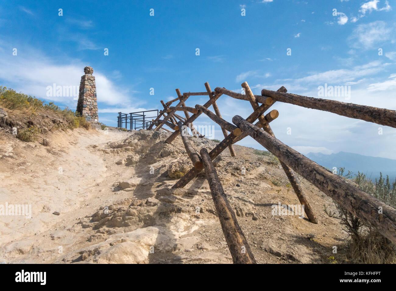 Ensign Peak Nature Park. Sendero que conduce hasta el histórico monumento insignia con vistas a Salt Lake City. Foto de stock