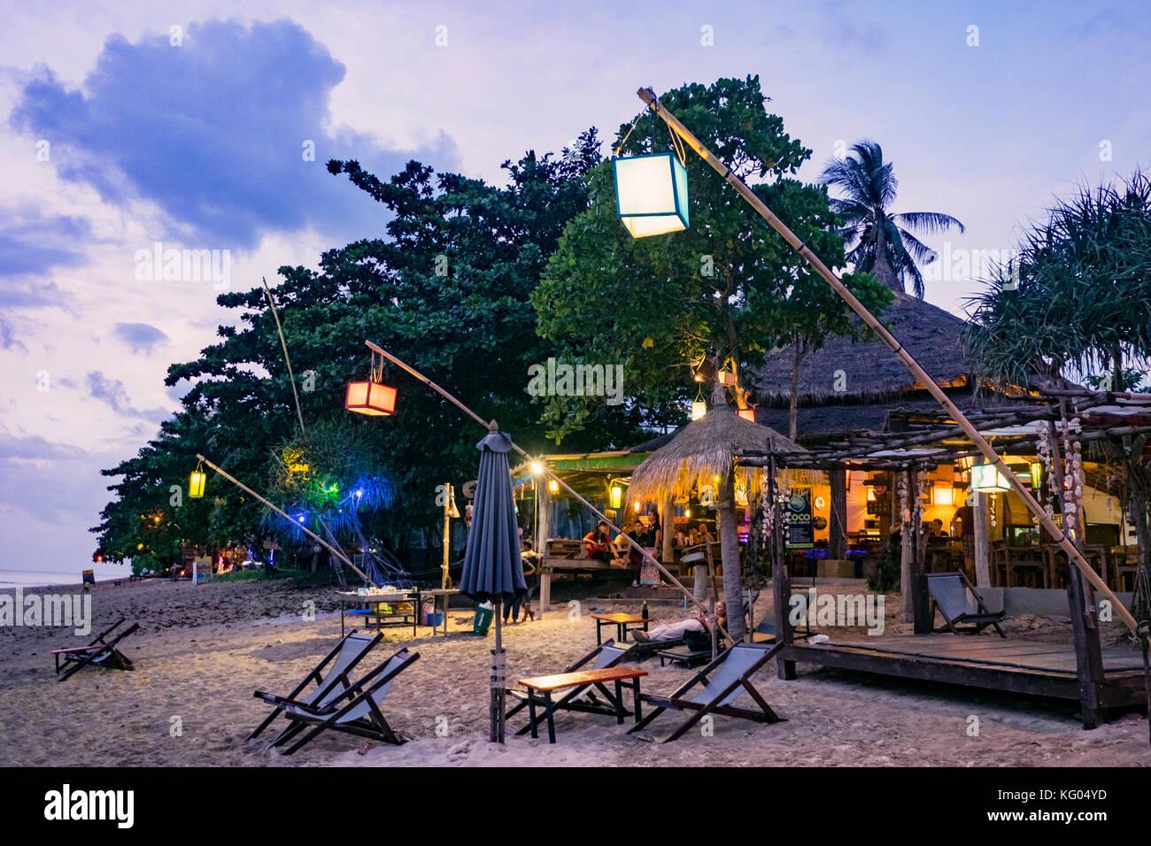 Tailandia. Mar de Andamán. Isla de Koh Lanta. La playa de Klong Khong Imagen De Stock