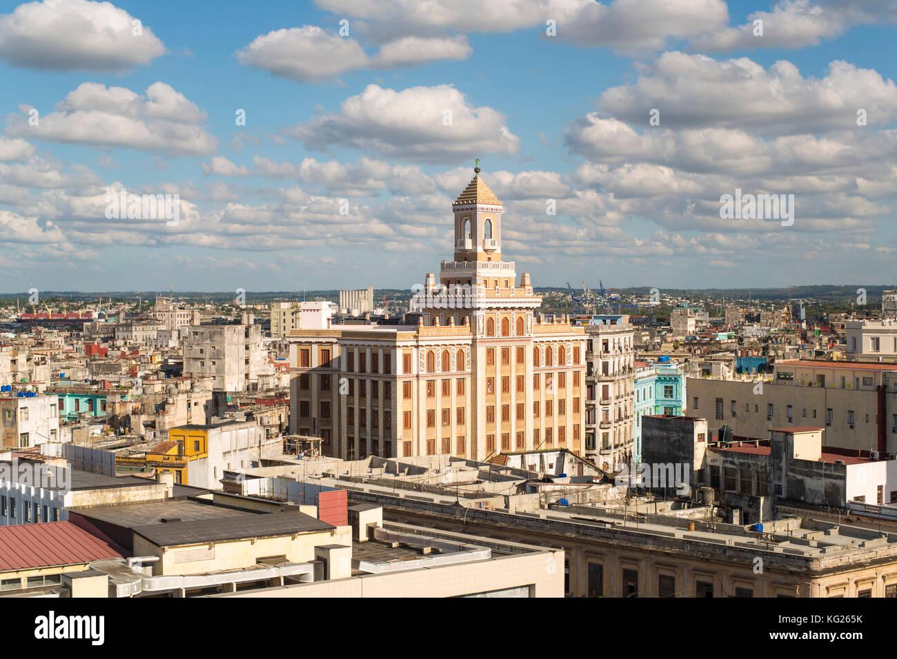 La arquitectura de una elevada opinión cerca del malecón, La Habana, Cuba, las Antillas, América Imagen De Stock