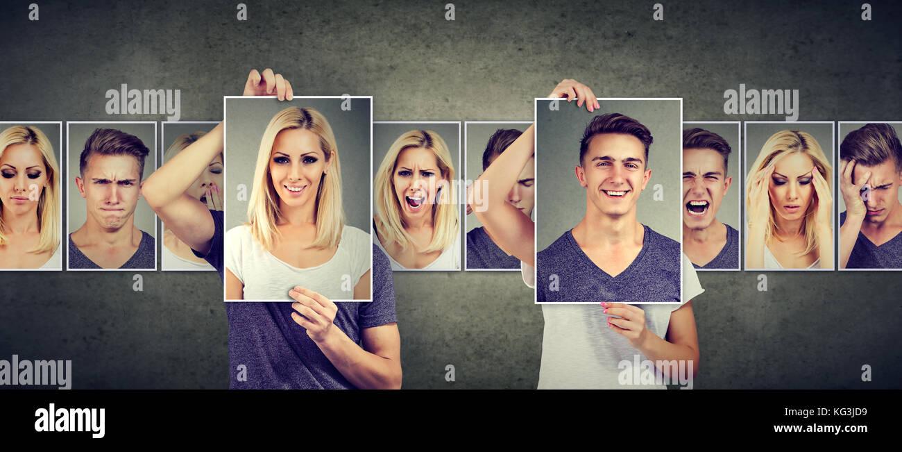 Concepto de relación equilibrada de la mujer y el hombre enmascarado expresando diferentes emociones intercambiar Imagen De Stock