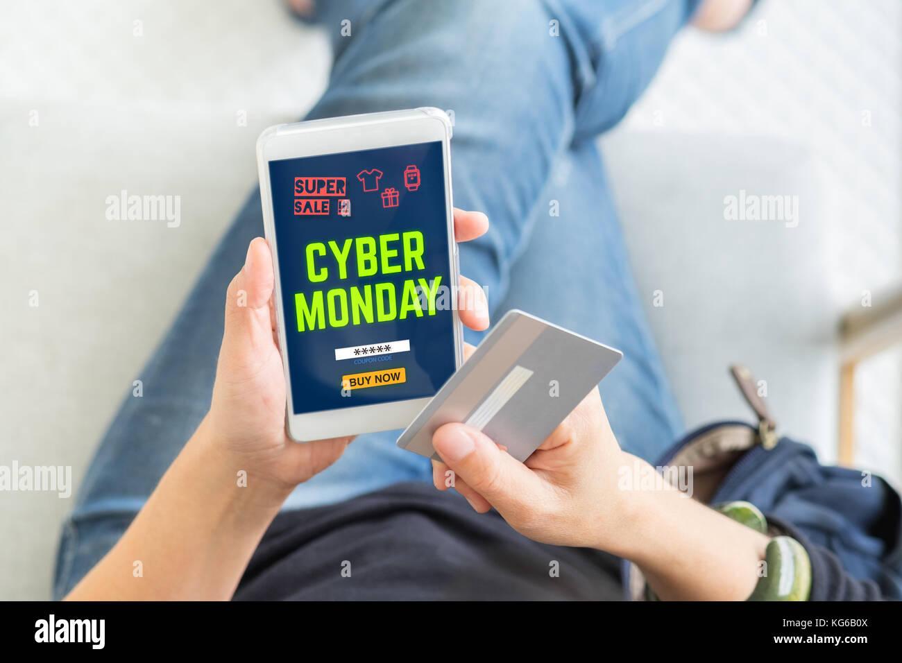 Cyber Monday Venta Usando Tarjeta De Crédito Comprar Con El Código