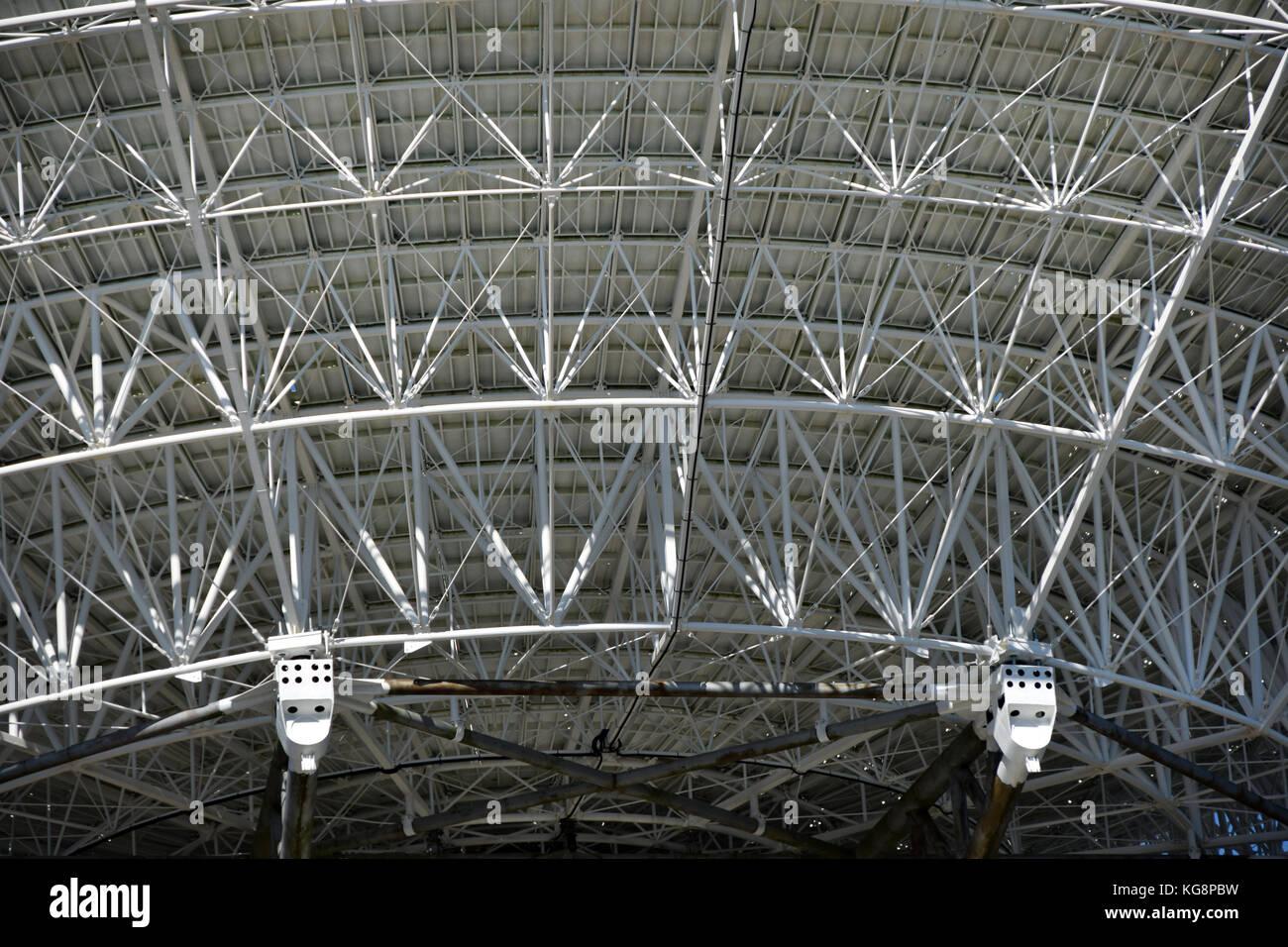 El radiotelescopio cerca Ibene en Letonia se ejecute para espiar las telecomunicaciones occidentales durante la Imagen De Stock