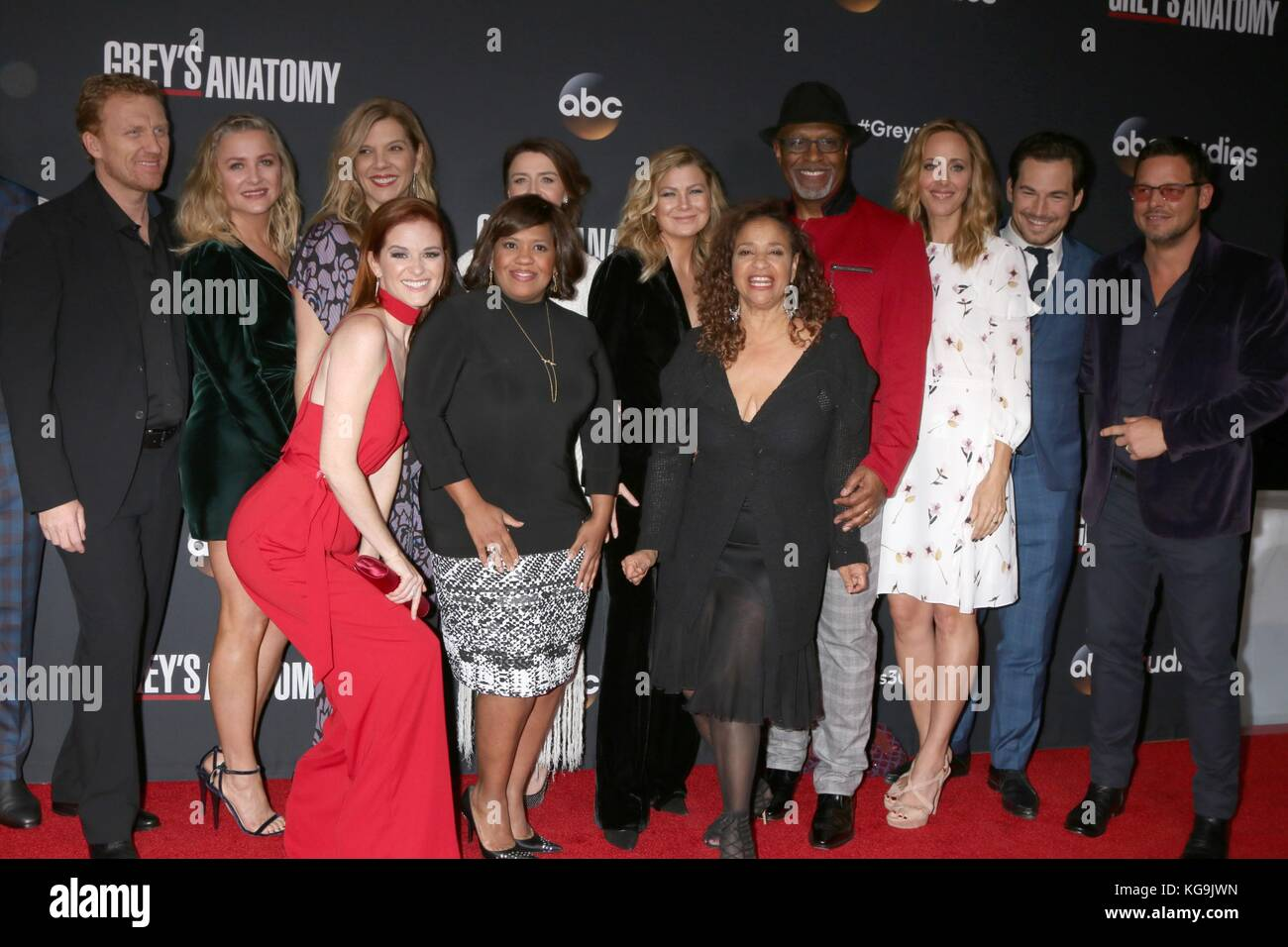 Cast Of Greys Anatomy Imágenes De Stock & Cast Of Greys Anatomy ...