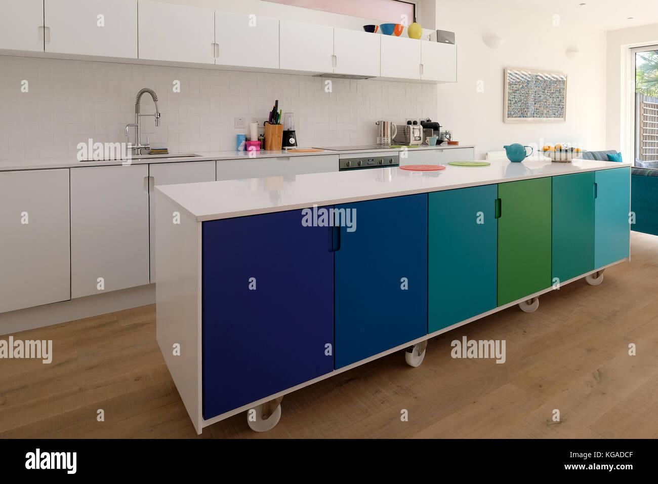 Kitchen Cabinets Imágenes De Stock & Kitchen Cabinets Fotos De Stock ...