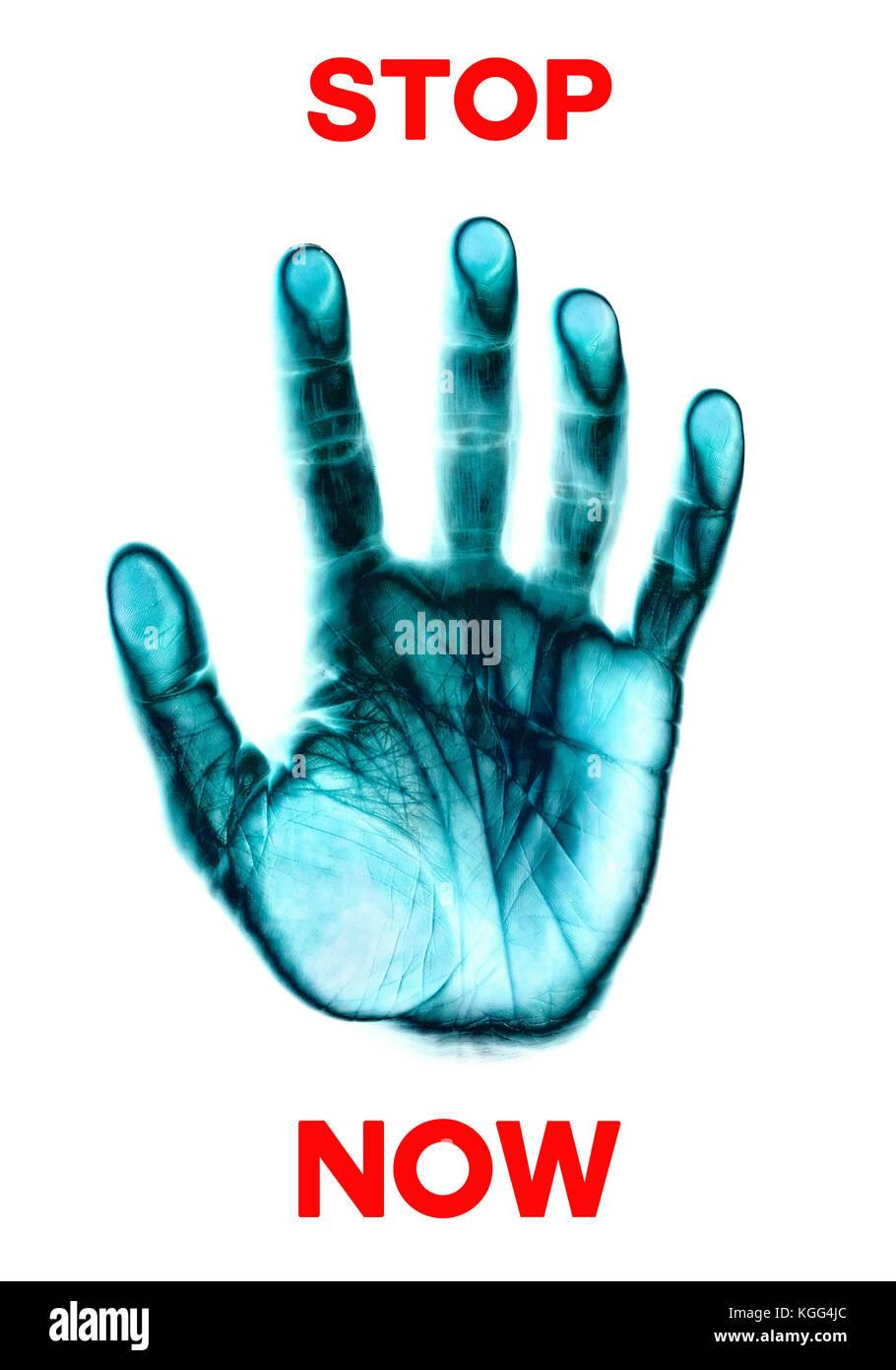 Detener ahora palabras e impresión de mano Imagen De Stock