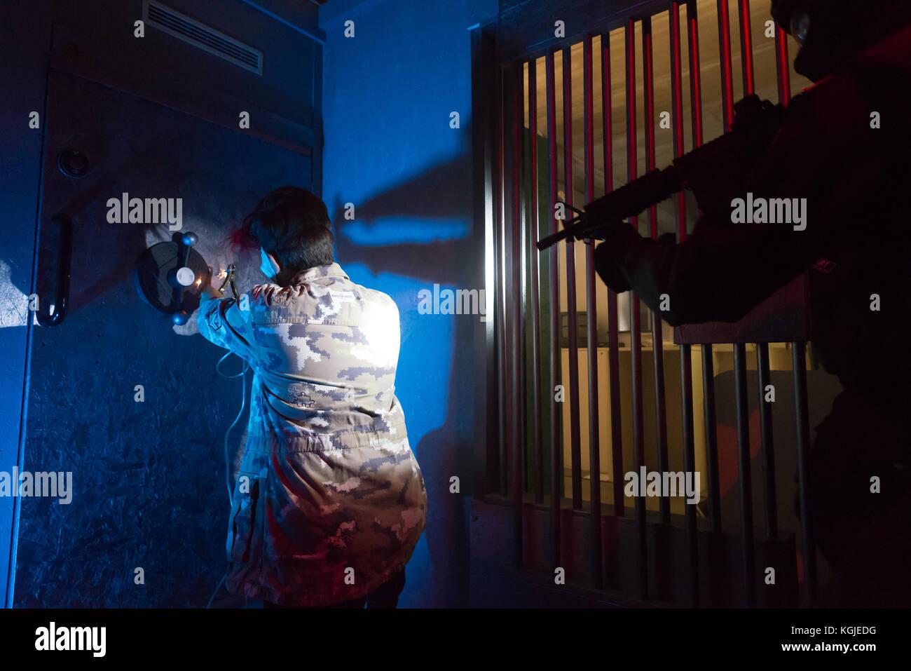 Bérgamo, 24 de octubre de 2017. Reportajes backstage vídeo comercial para SF Academy. Brambilla Simone Imagen De Stock