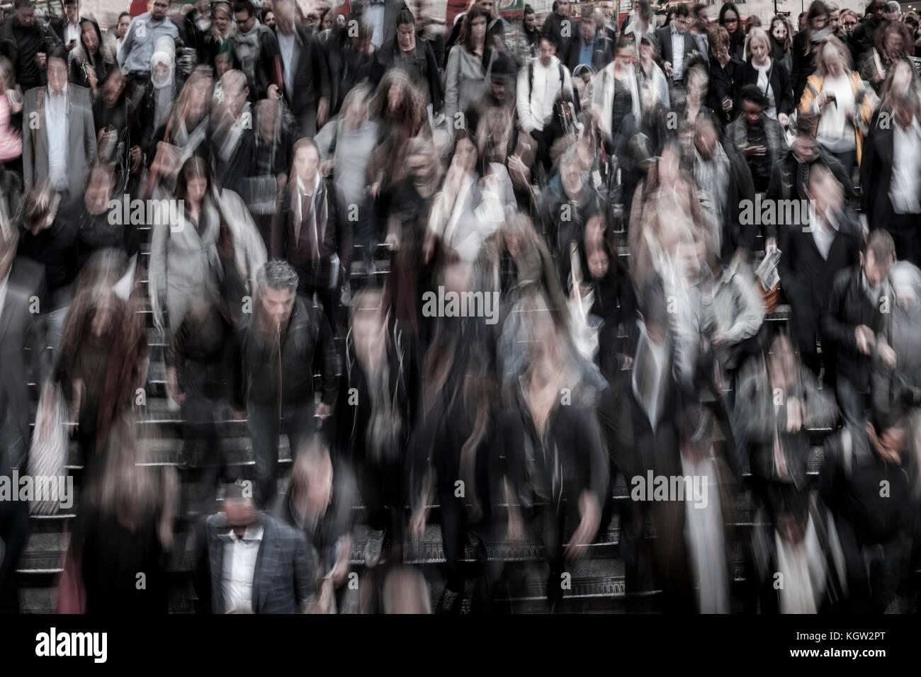 Multitud de personas, Londres, Reino Unido. Imagen De Stock