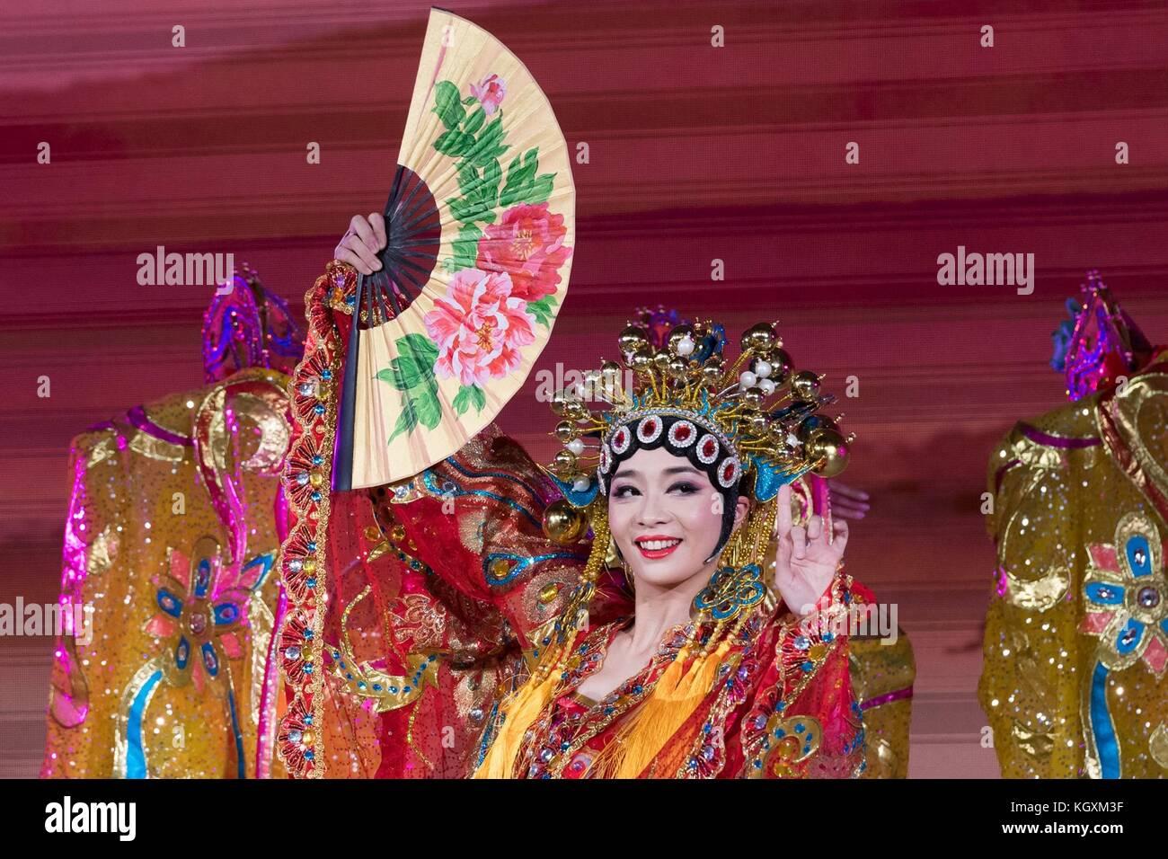 Los actores tradicionales chinos durante el entretenimiento parte de la cena de estado de EE.UU. presidente Donald Imagen De Stock