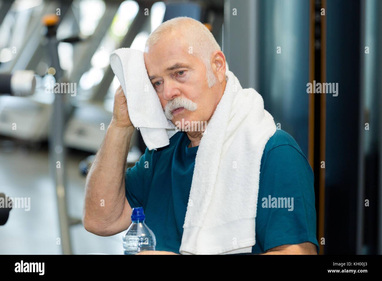 Anciano trabajando Imagen De Stock