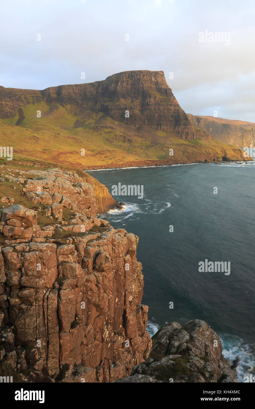 Vista de waterstein head isla de Skye Foto de stock