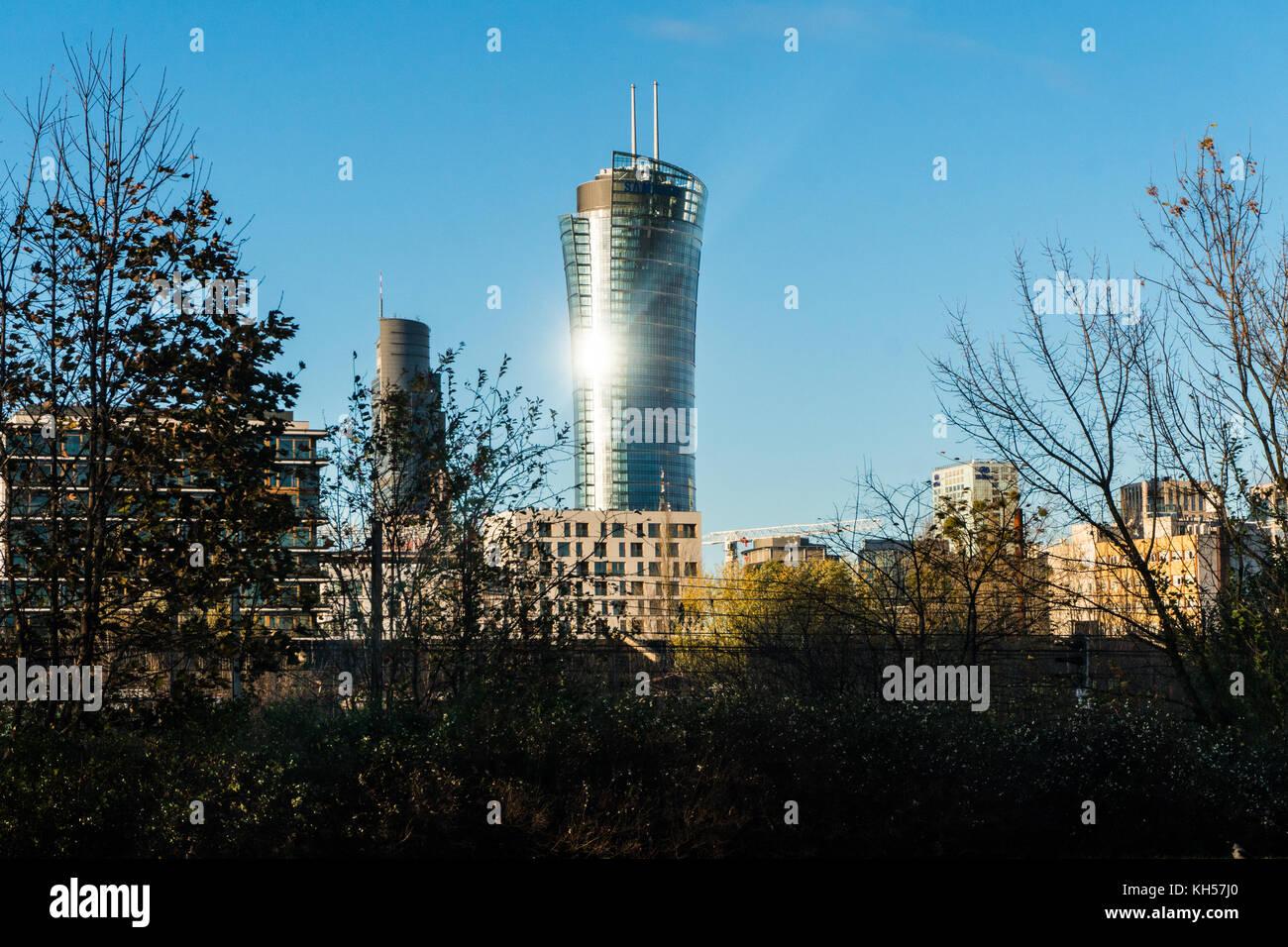 Varsovia, Polonia - noviembre 2017. golden terrazas, zlota 44 rascacielos, torres de Varsovia, el hotel intercontinental, Imagen De Stock