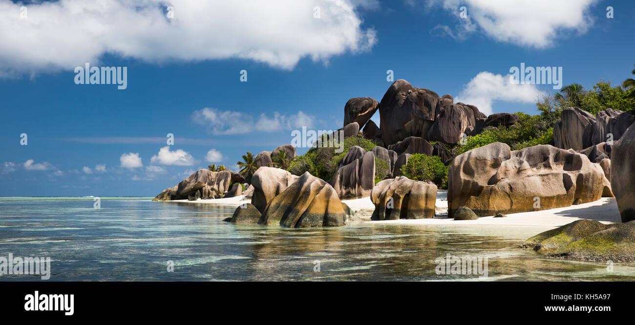Las islas Seychelles, La Digue, L'Union Estate, Anse Source d'Argent, panorámica de playa Imagen De Stock