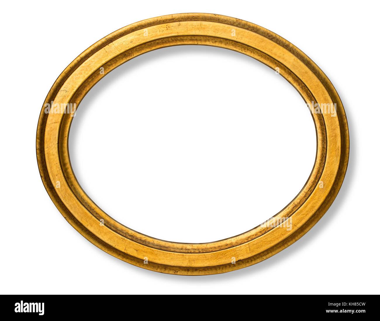 Antiguo marco ovalado aisladas de madera con fondo blanco y trazado ...
