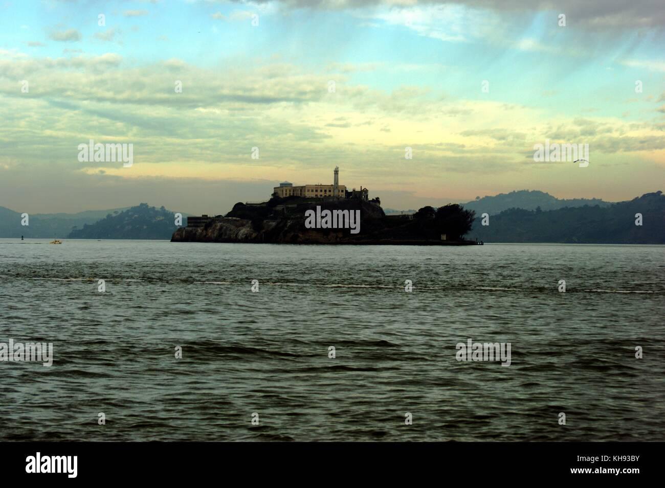 Temprano en la mañana a través de Alcatraz, San Francisco, EE.UU. Foto de stock