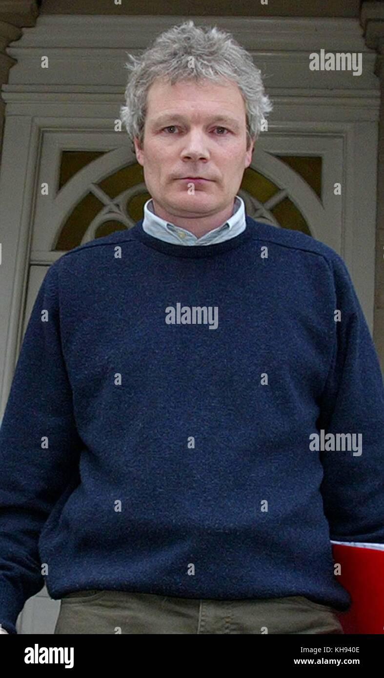 James boardman / 07967642437 - 01444 412089 sion jenkins dejando lewes crown court en East Sussex hoy 23/02/2005 Foto de stock