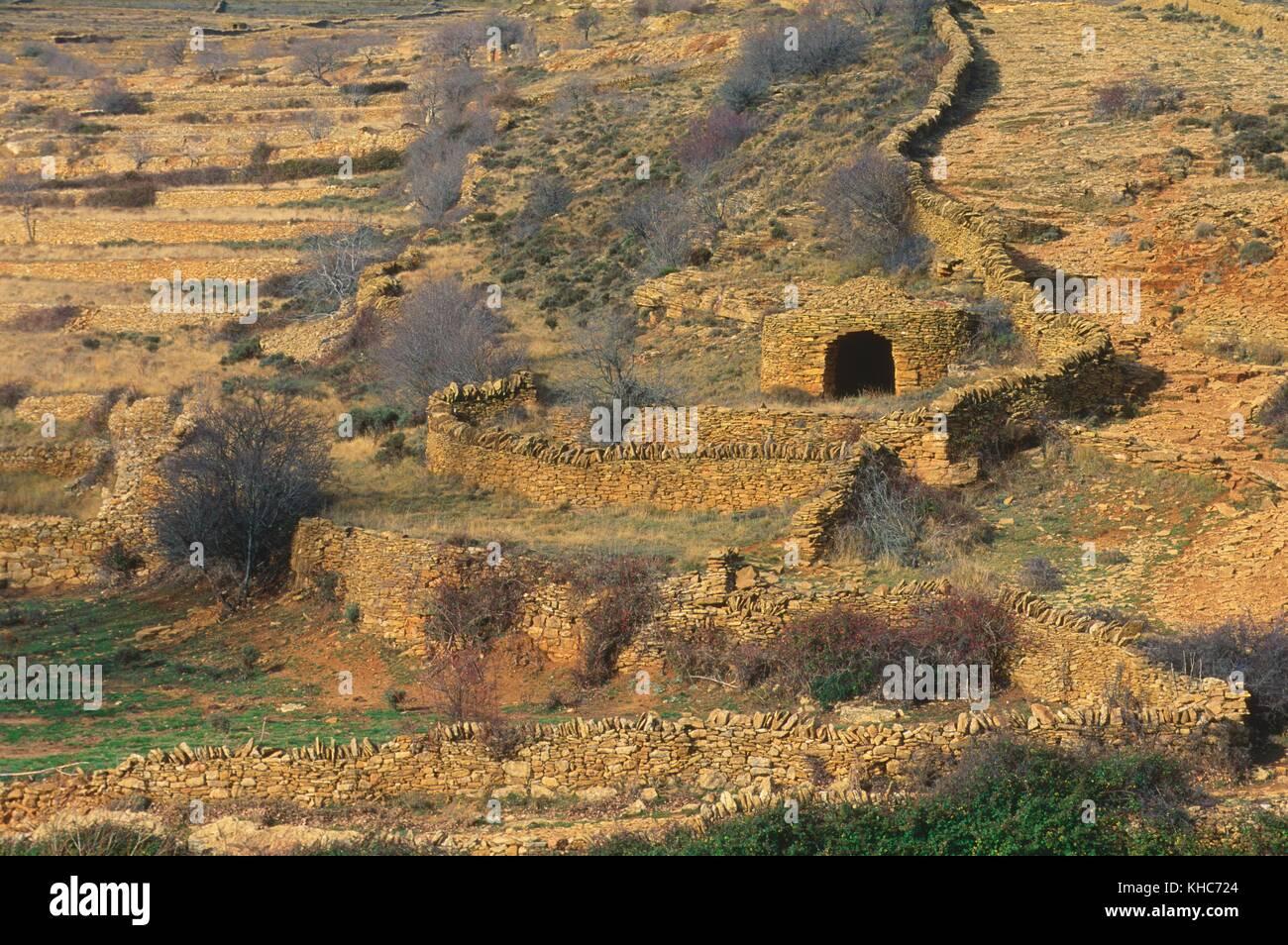 Los Campos De Cultivo En Forma De Terrazas Muros De Piedra
