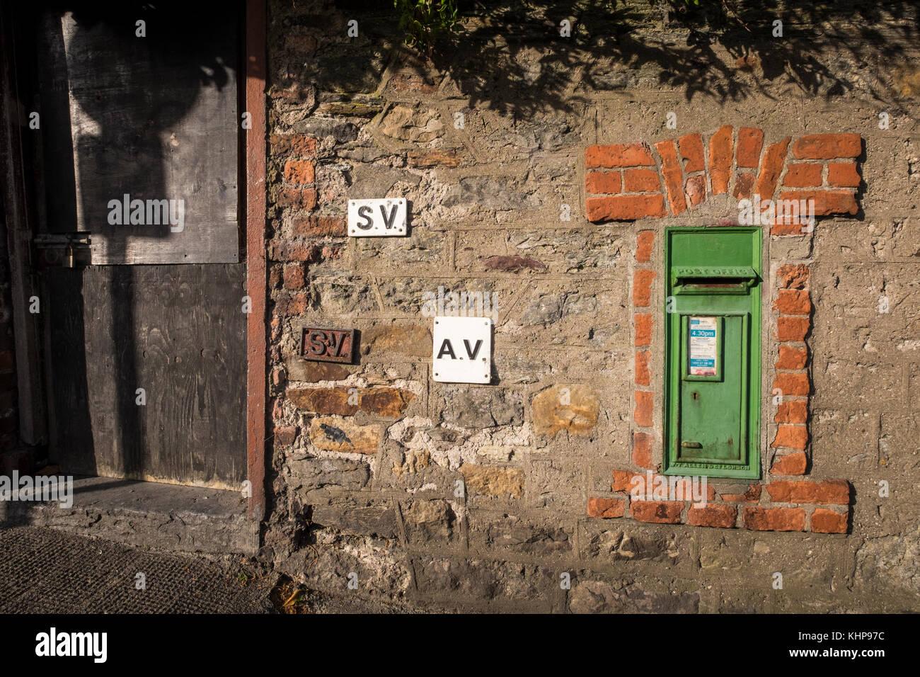 Green Post Box Imágenes De Stock & Green Post Box Fotos De Stock - Alamy