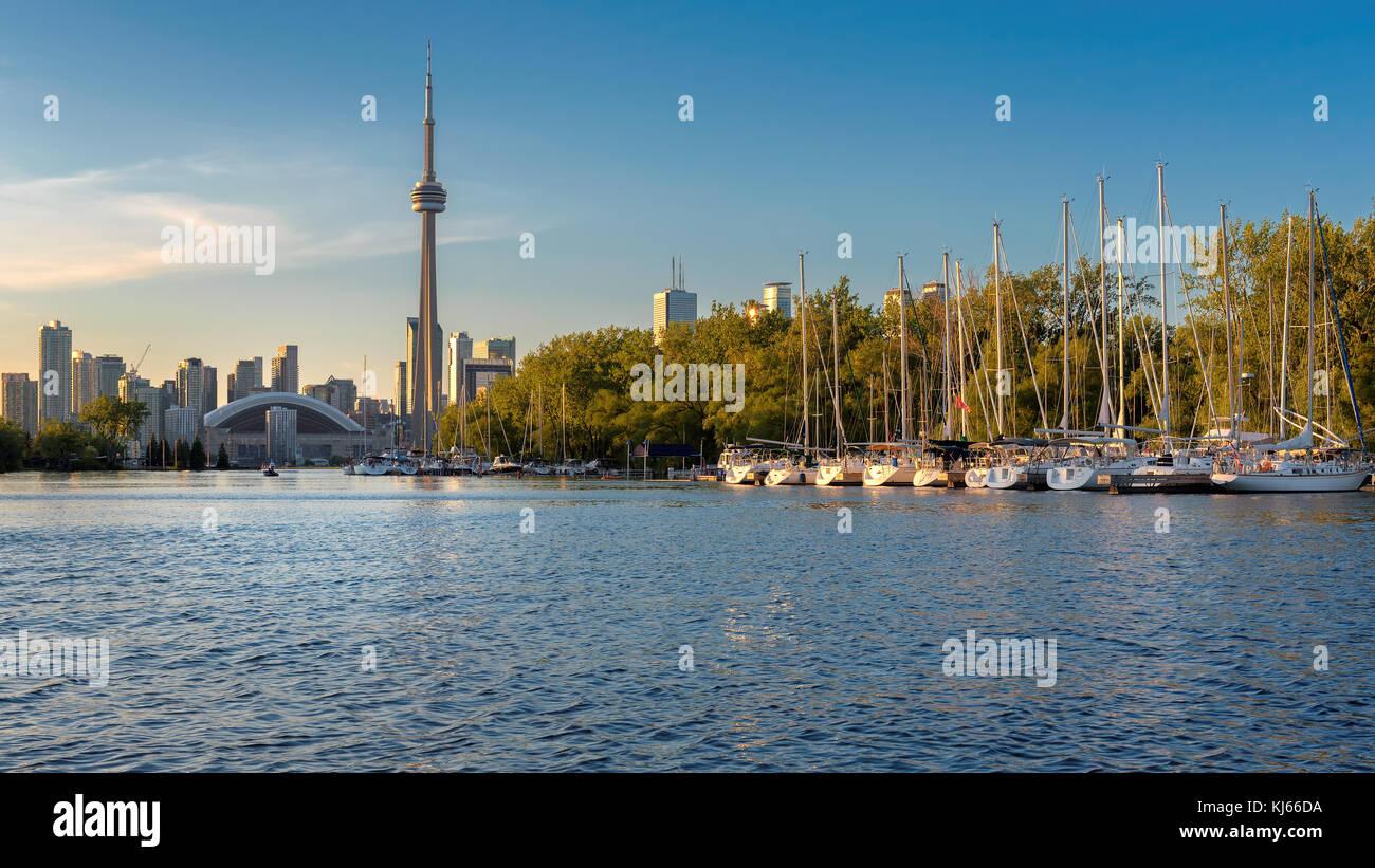 Bello Horizonte de Toronto al atardecer. Imagen De Stock