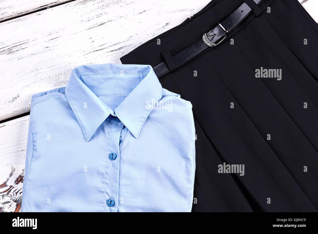 2143ea84a Elegante conjunto de uniformes escolares para niñas. Las niñas nuevo  elegante Blusa y falda de desgaste para la escuela. escuela clásica prendas  de vestir ...