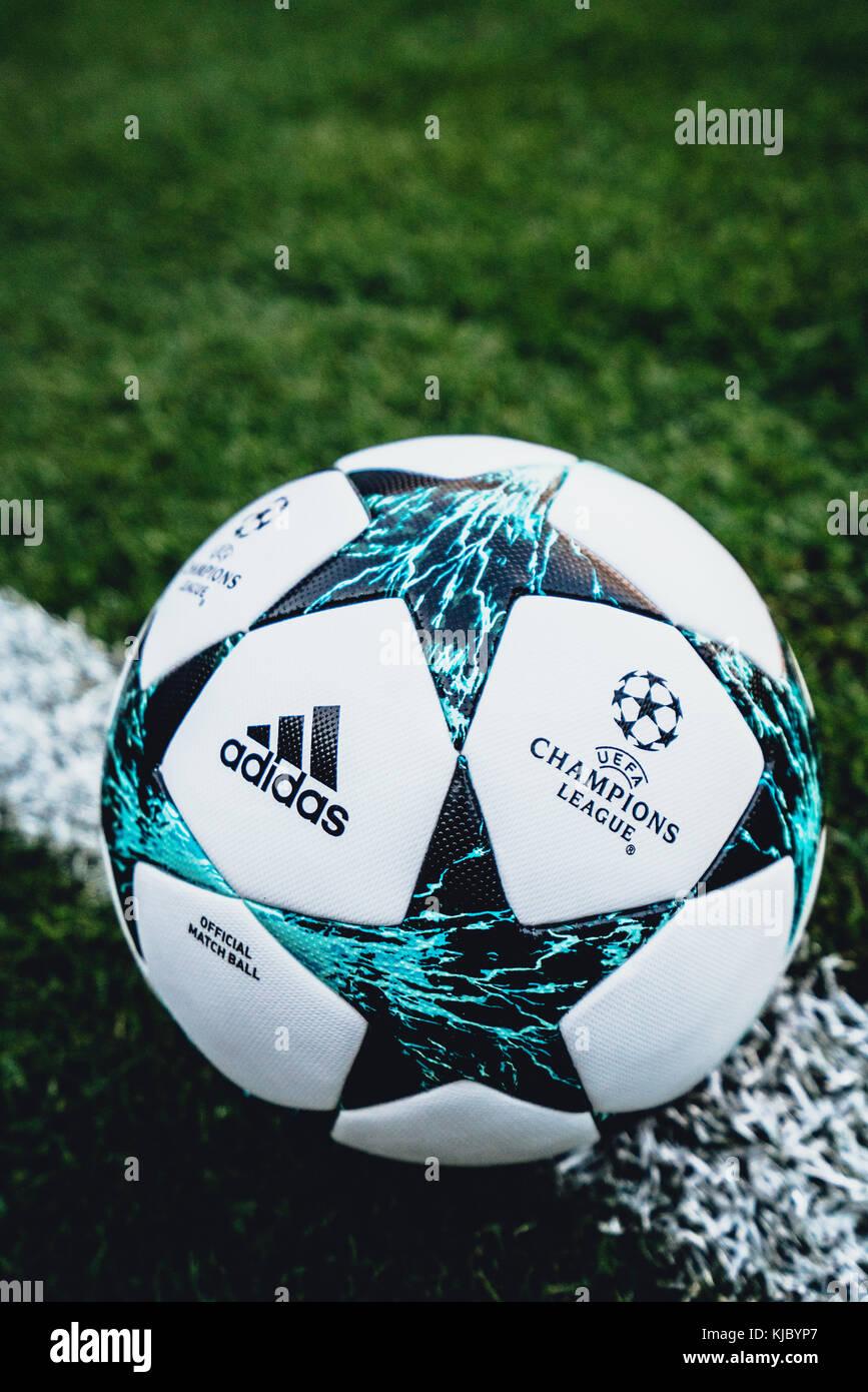 cd59ea6fe5e8d Balón oficial de la UEFA Champions League de la temporada 2017 2018 ...