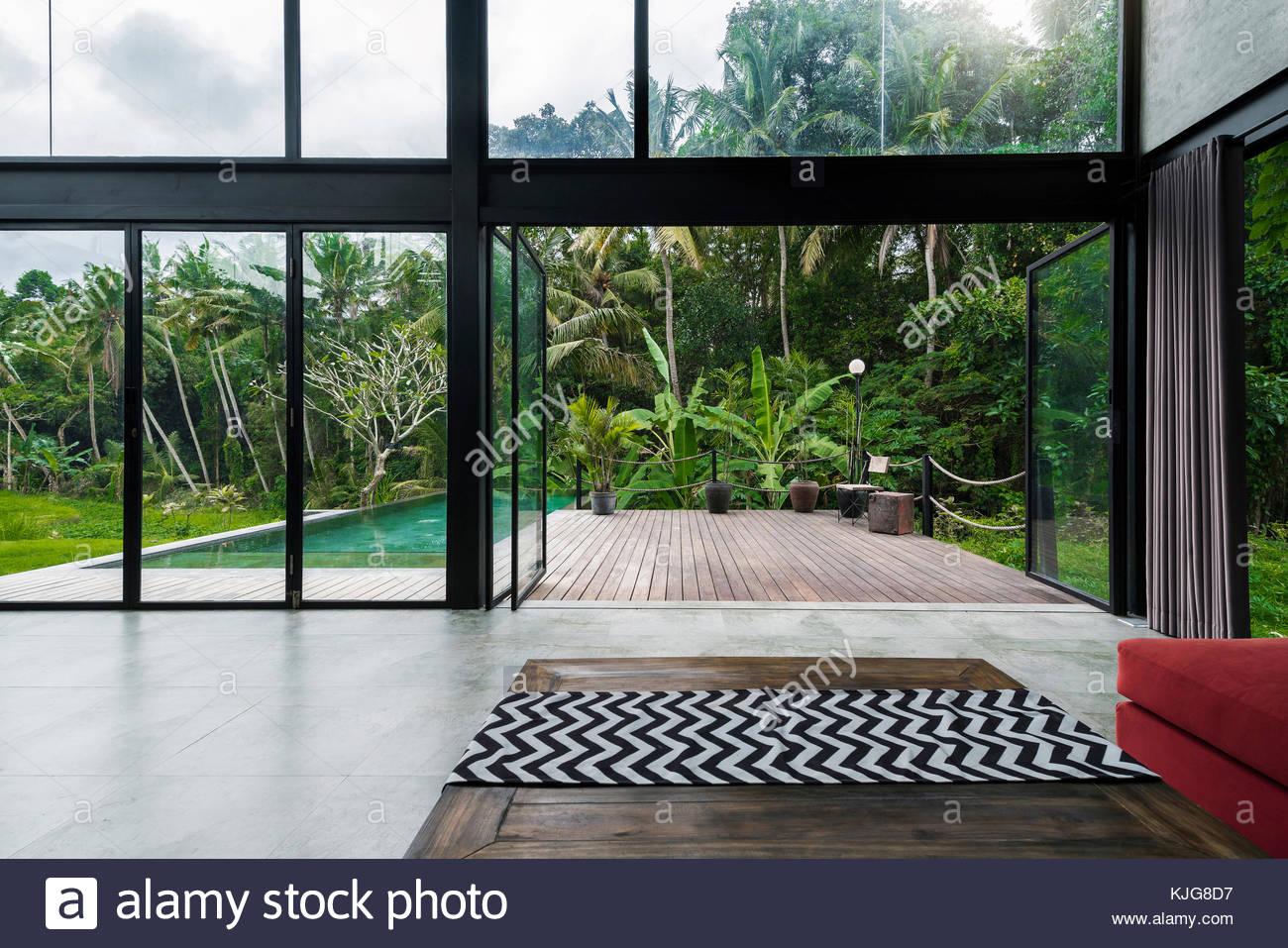 Jardines de diseo moderno free jardines japoneses for Casa minimalista vidrio