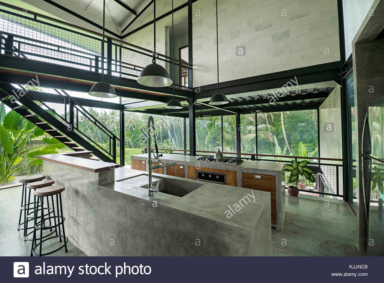 Moderna cocina minimalista casa de dise o contempor neo for Fachada de casas modernas con vidrio