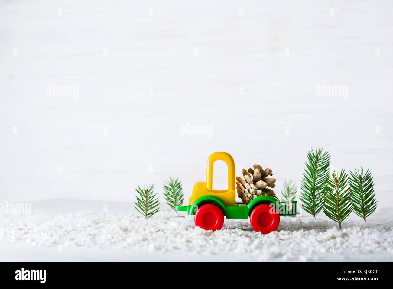Coche Y De Christmas Pequeño Juguete Nuevo GrúaAño Es Un Una CBerxdoW