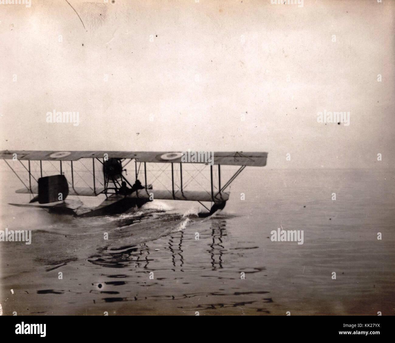 Hidro avion vo Solunsko pristaniste Imagen De Stock