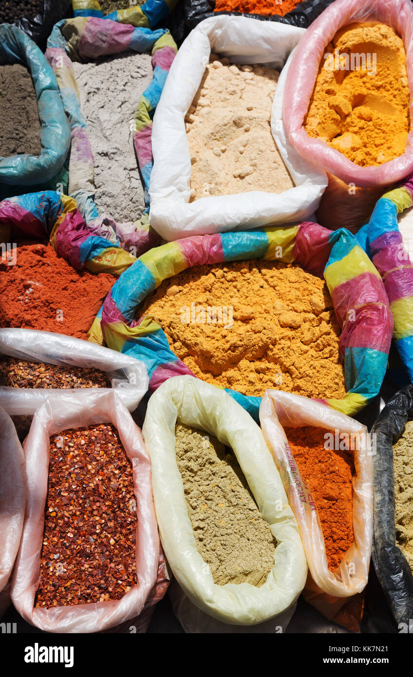 Mercado de Especias, Ecuador - especias para venta, Mercado de Otavalo, Otavalo, Ecuador Sudamérica Imagen De Stock