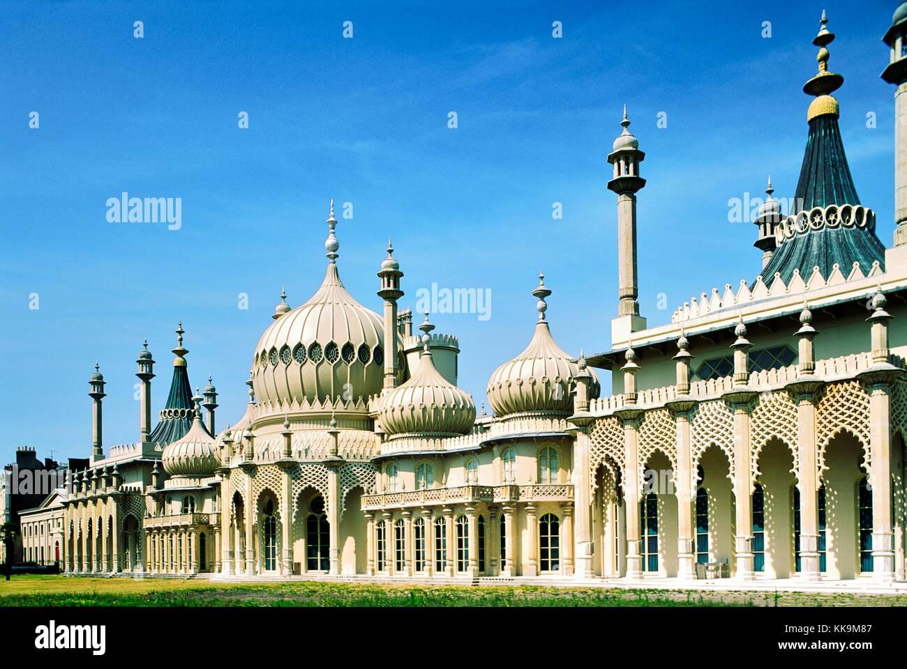 Brighton Royal Pavilion construido en 1822 por el rey George IV. diseñada por John Nash. East Sussex, Inglaterra. Imagen De Stock