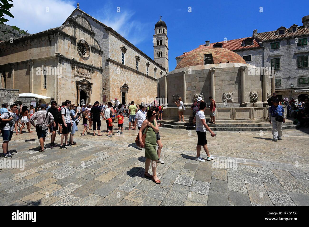 La gran Onofrios Fountain, Main Street, Dubrovnik, del condado de Dubrovnik-Neretva, Costa dálmata, el Mar Adriático, en Croacia, los Balcanes, Europa, el mundo de la UNESCO su Foto de stock