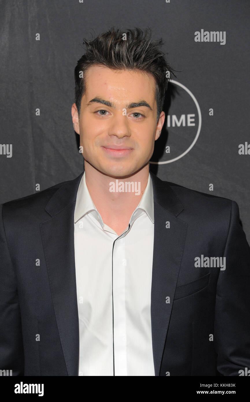 """Nueva York, Estados Unidos. 30 Nov, 2017. Actor Matteo Stefan atiende la vida luminarias proyección de """"madrina Imagen De Stock"""
