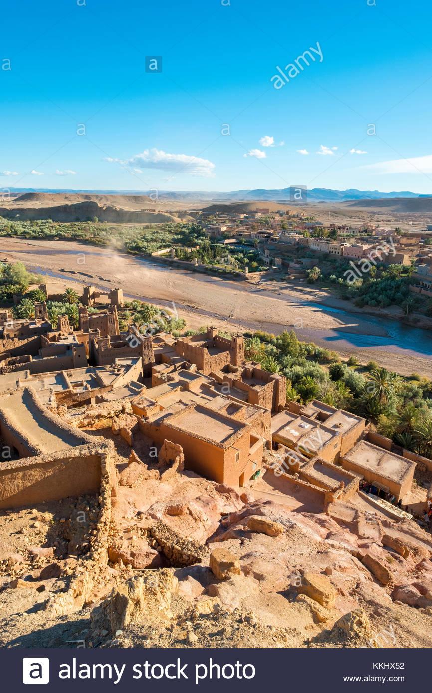 Marruecos, Sous-Massa (Sous-Massa-Draa), Provincia de Ouarzazate. Vista desde el interior de la aldea uppter Ksar Imagen De Stock
