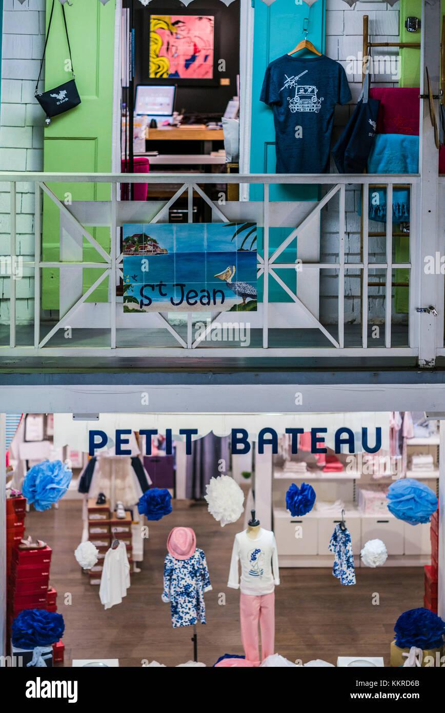 Antillas francesas, de St Barthelemy, Gustavia, compras, Petit Bateau, tienda de ropa para niños Imagen De Stock