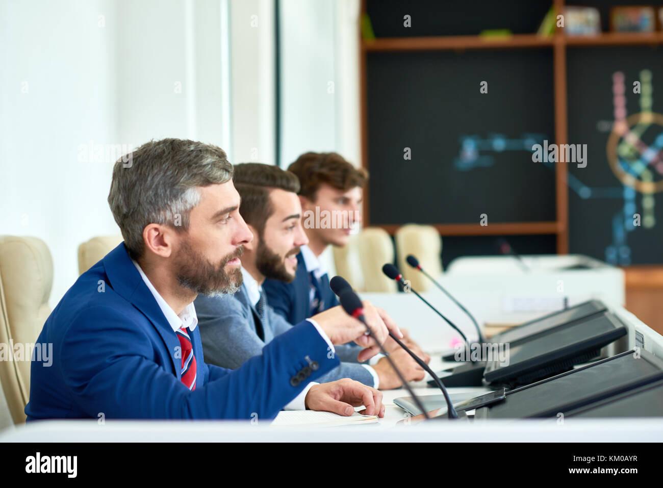 Conferencia de prensa a toda velocidad Foto de stock