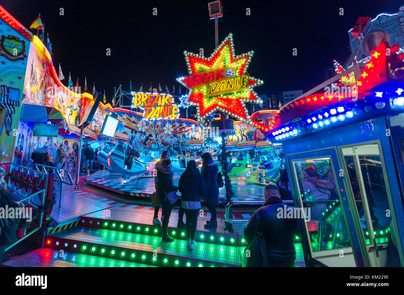 Paseos de Wintertraum soy Alexa, Berlín, la mayor feria anual y mercado de Navidad. Berlín, Alemania Imagen De Stock