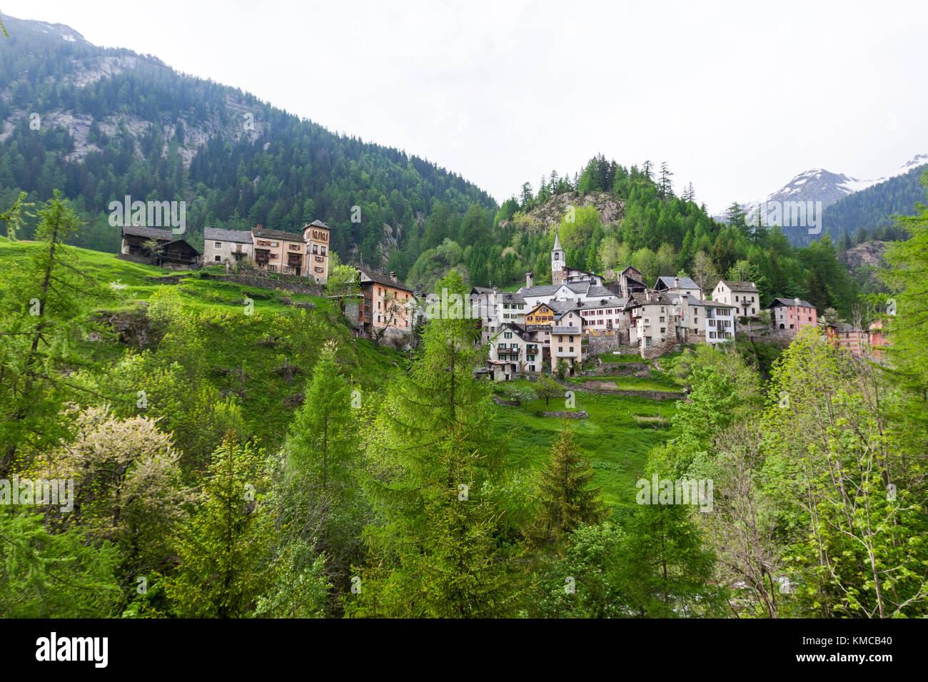Fusio, distrito de Vallemaggia en el cantón del Tesino, Suiza. Foto de stock