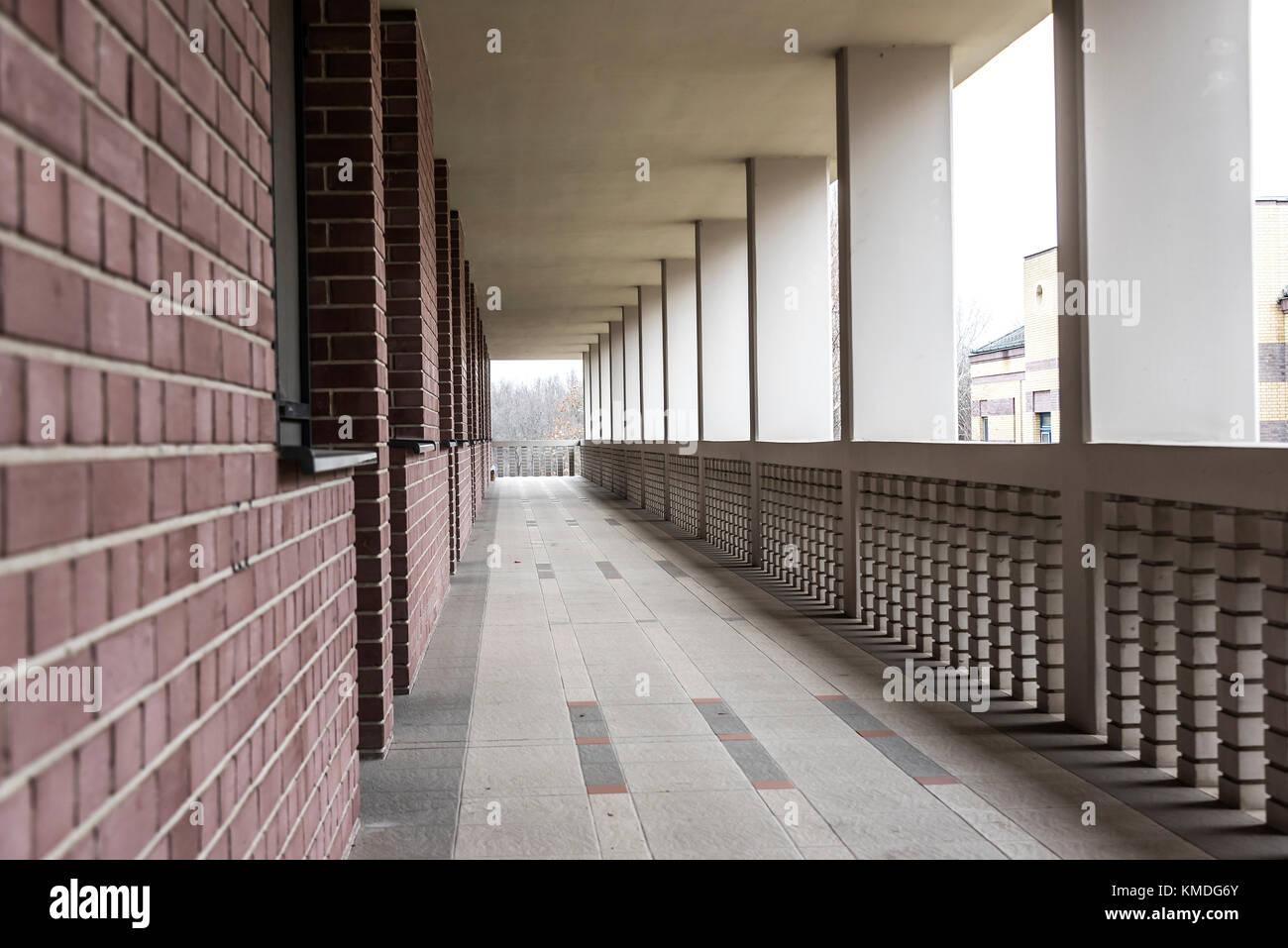 Largo Balcón Terraza Edificio Alto Foto Imagen De Stock