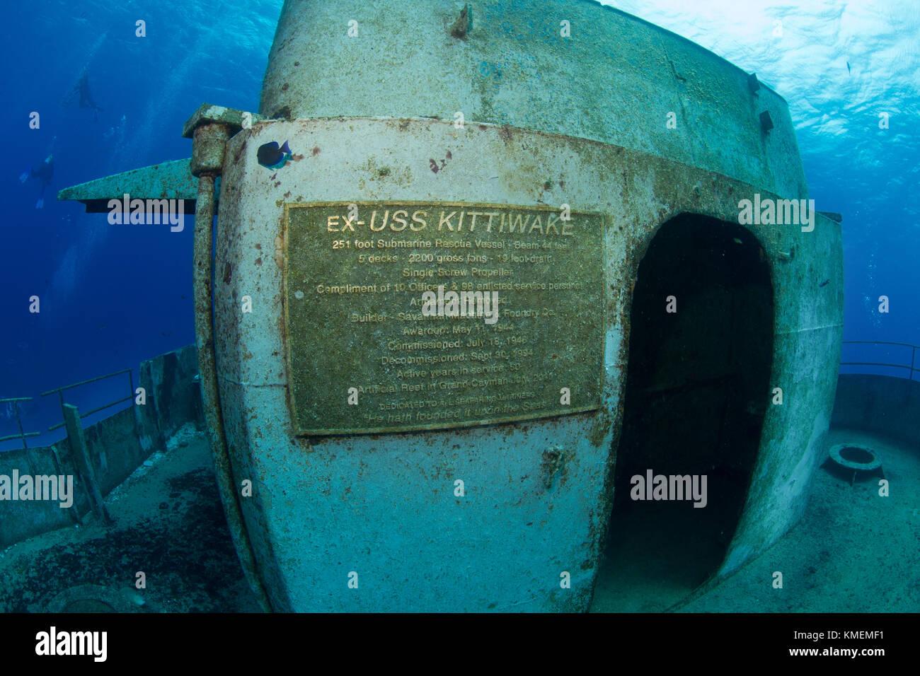 Una foto de uno de la placa en el USS kittiwake, un arrecife artificial. Foto de stock