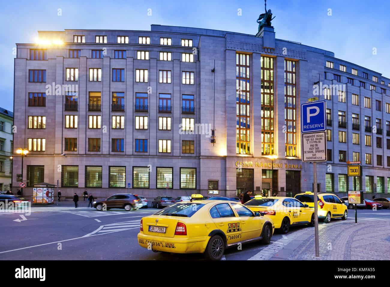 Čnb - Česká národní banka, Namesti republiky, Stare Mesto, Praha, ceska republika / cnb - Banco nacional checo prikopy, Praga, República Checa Foto de stock