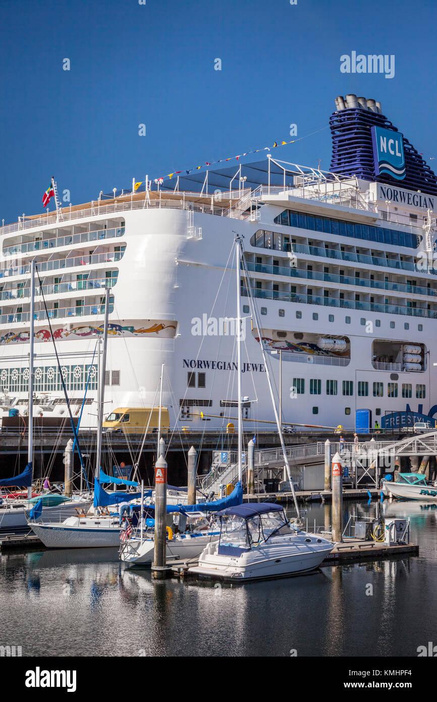 Noruego Jewel enanos Cruceros los barcos de la marina en Seattle, Washington, EE.UU. Foto de stock