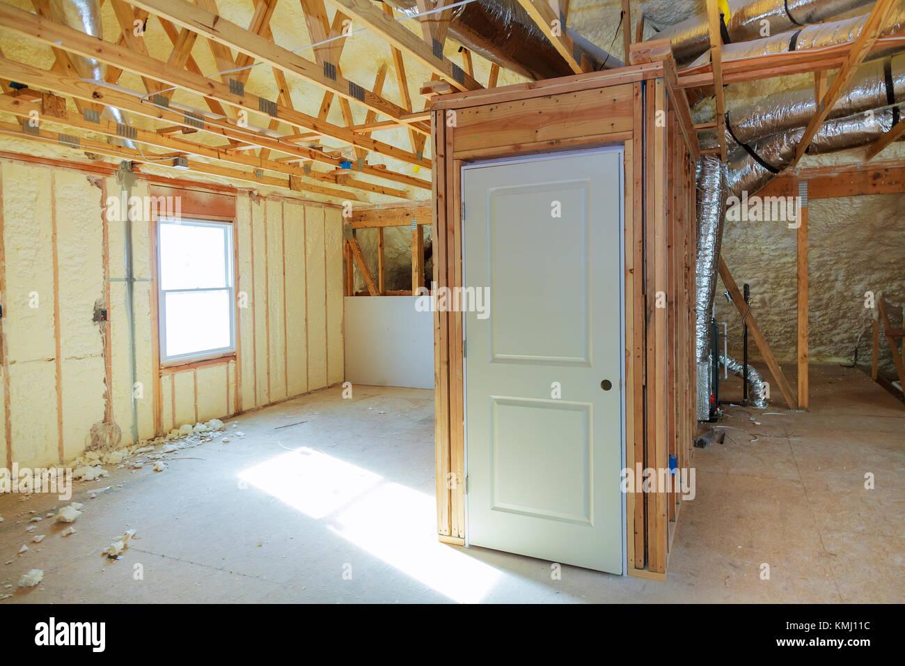 Hidro aislamiento térmico y aislamiento de pared interior vista interior en la construcción de viviendas Imagen De Stock