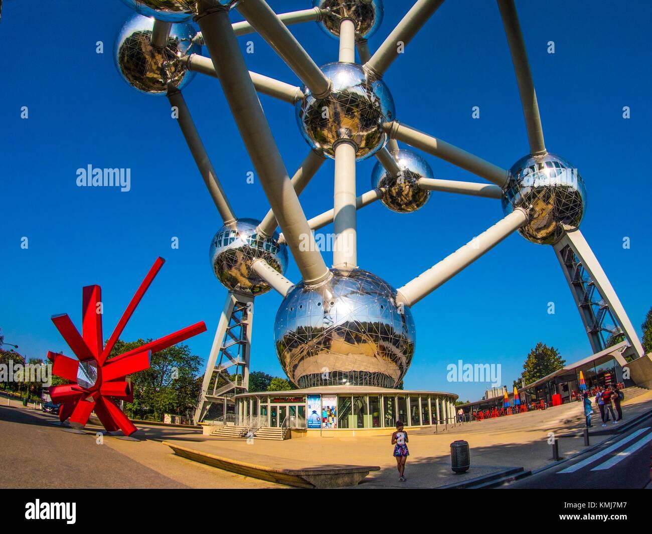 Bélgica, Bruselas, el Atomium, La Feria Mundial de 1958, tema... Imagen De Stock